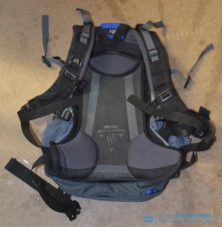 deuter-air-comfort-futura-28ac-mit-regenuberzug-big-1