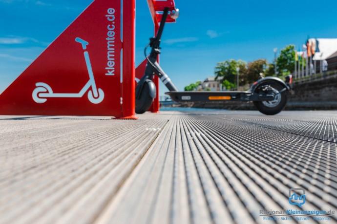 e-scooter-stellplatz-parkplatz-carport-fahrradstander-roller-big-4