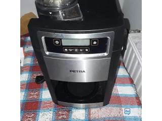 Verkaufe Kaffeemaschine mit Mahlfunktion für Kaffeebohnen