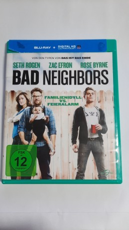 blue-ray-bad-neighbors-fsk-12-big-0